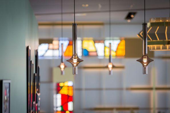 Epicurienne_détail lampes et vitraux